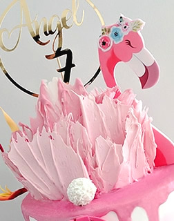 Flamingo birthday cake for a girl