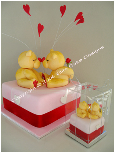 Kissing Friends Forever Mini Cake Bonboniere