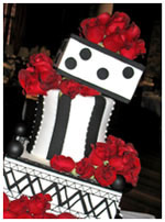 red roses cabaret wedding cake
