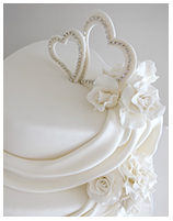 Hearts & Roses Wedding Cake