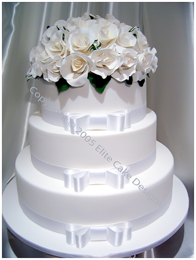 picture of white roses wedding cake